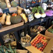店内の野菜マルシェ